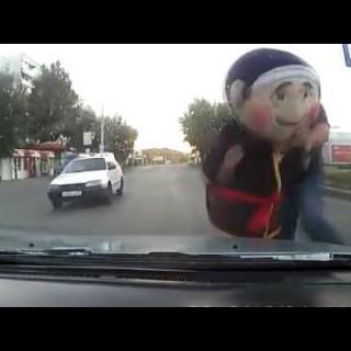Jedan najbizarnijih trenutka tokom vožnje ujet na kameri